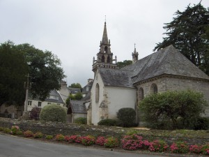 Eglise à Locquénolé