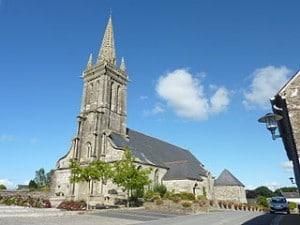 Eglise paroissiale à Poullaouen